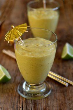 Smoothie-mangue-banane-coco